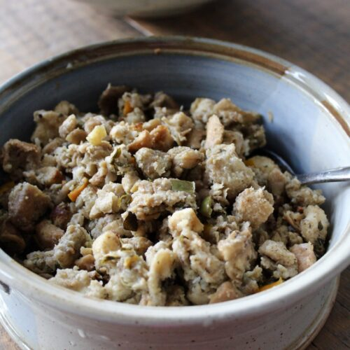 stuffing or dressing for turkey or chicken