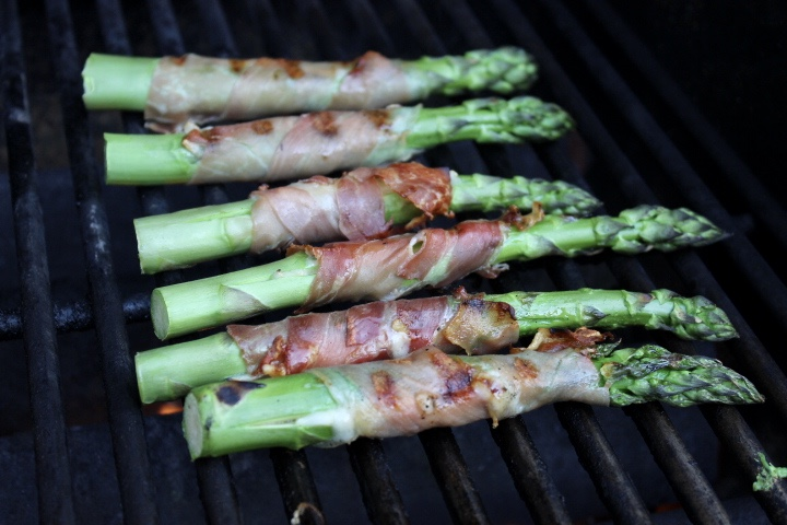 bacon wrapped jumbo asparagus with parmesan and garlic