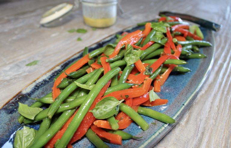 green bean and red pepper salad