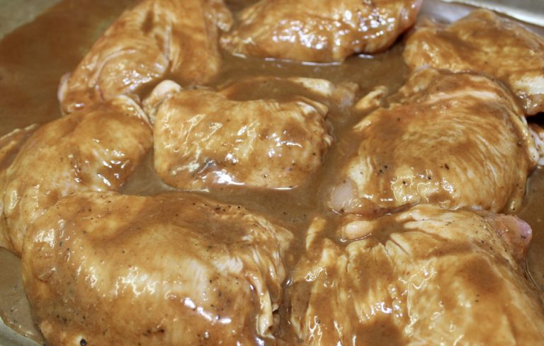 chicken thighs in peanut sauce