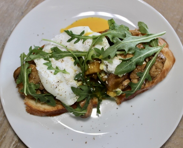 Mushroom Toast with Poached Egg and Arugula