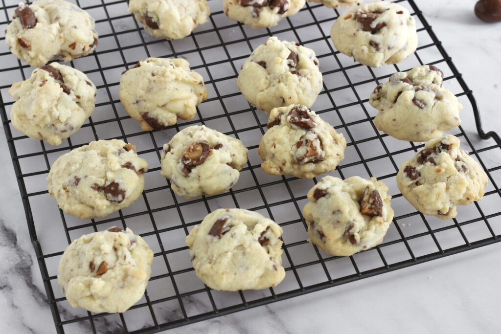 shortbread cookies with chocolate covered almonds